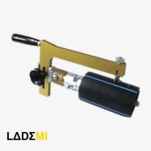 Устройство для снятия оксидного слоя ПЭ труб